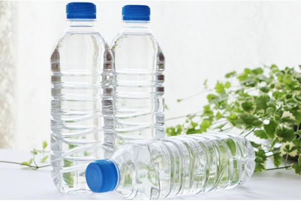 妊婦の飲み物 水