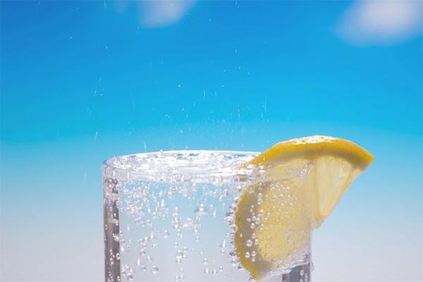 妊婦 飲み物 炭酸水