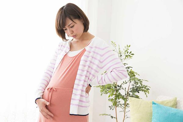 妊娠中のイライラの原因は