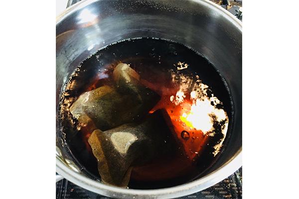 よもぎ蒸しの煮汁