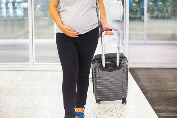 飛行機に乗りたい妊婦さん