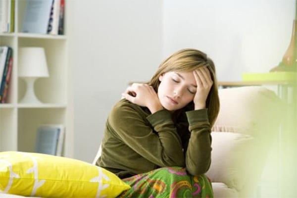 頭痛に悩む妊婦さん